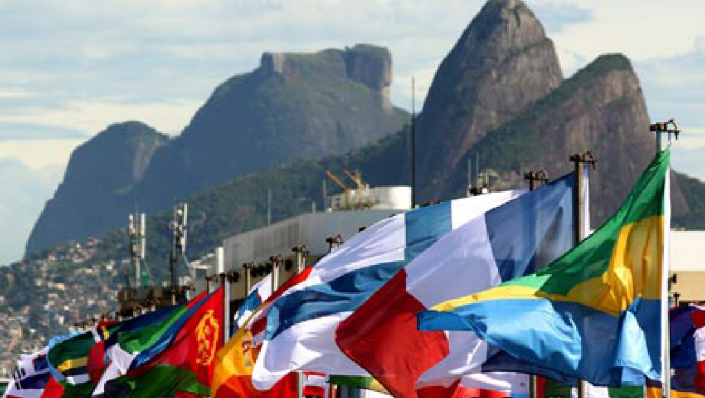 MDG--Rio20--flags-of-part-007.jpg